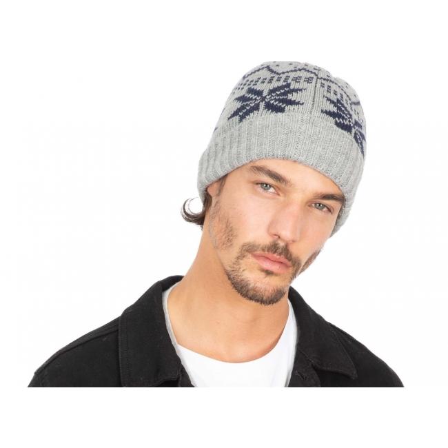KP543 Kariban kootud müts talvemotiividega